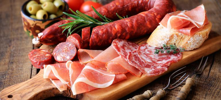 EFSA confirms safe levels for nitrites and nitrates added to food |